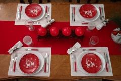 Rouge et blanc, 4 bougies, simplicité