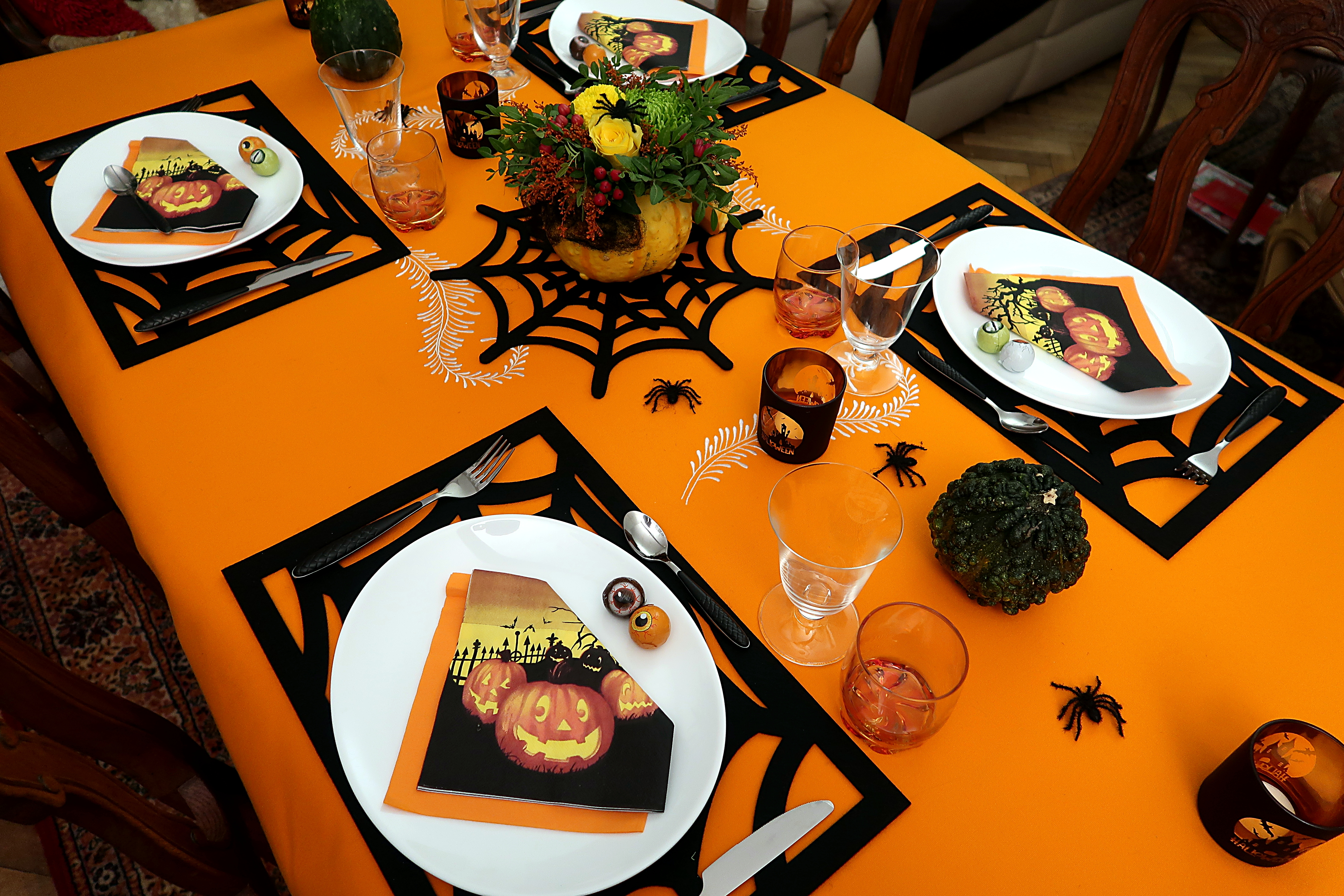 Halloween-18-Table_