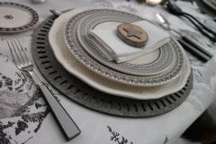 Montagne - Assiette fourchettes gris natura