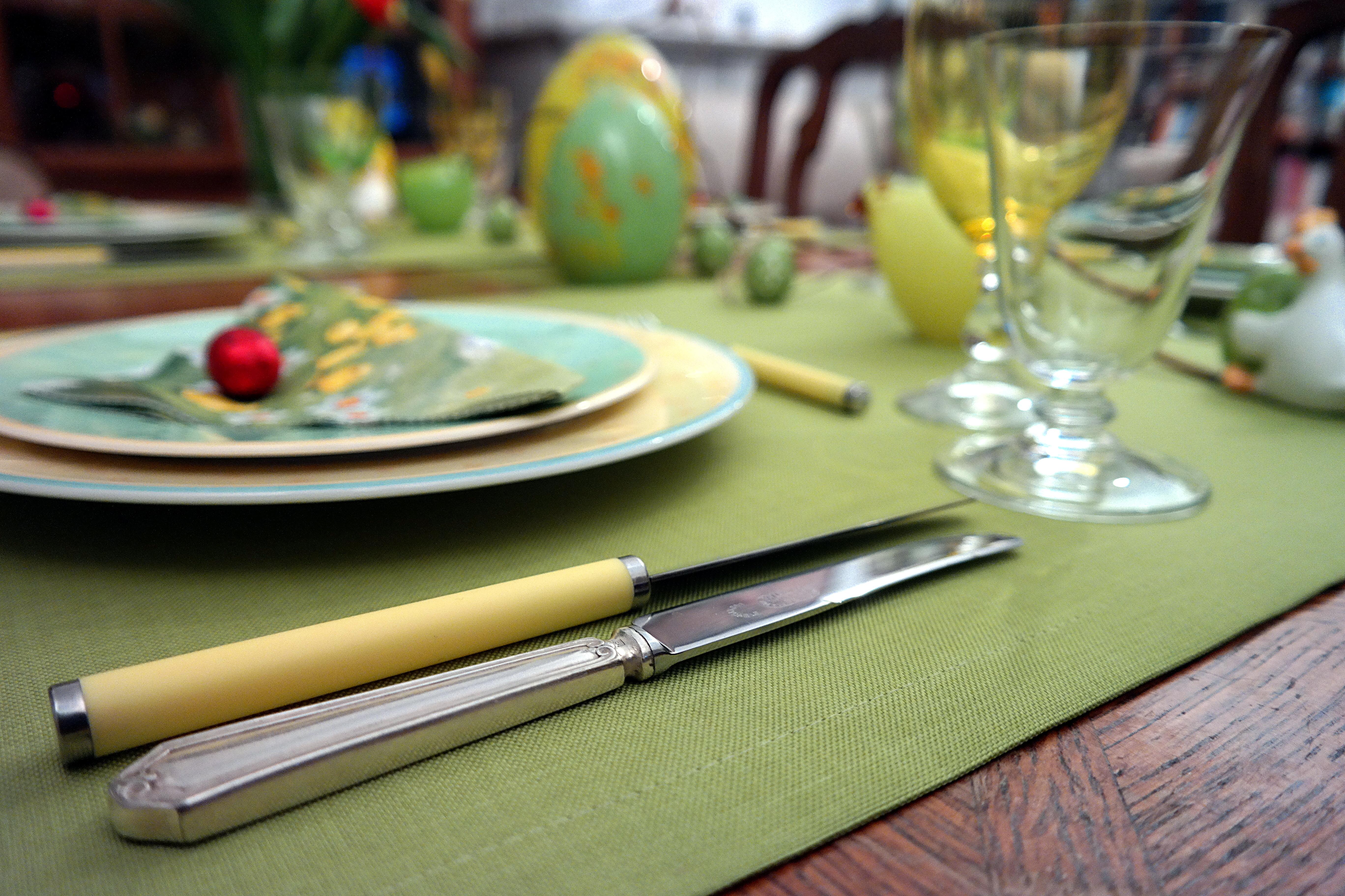Oeufs de Pâques - Couteaux