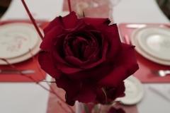 Saint-Valentin-Rose-et-assiettes