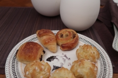 Petit-déjeuner-de-Pâques-Viennoiseries
